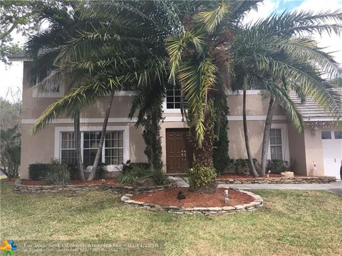 3933 NW 55th St, Coconut Creek, FL 33073