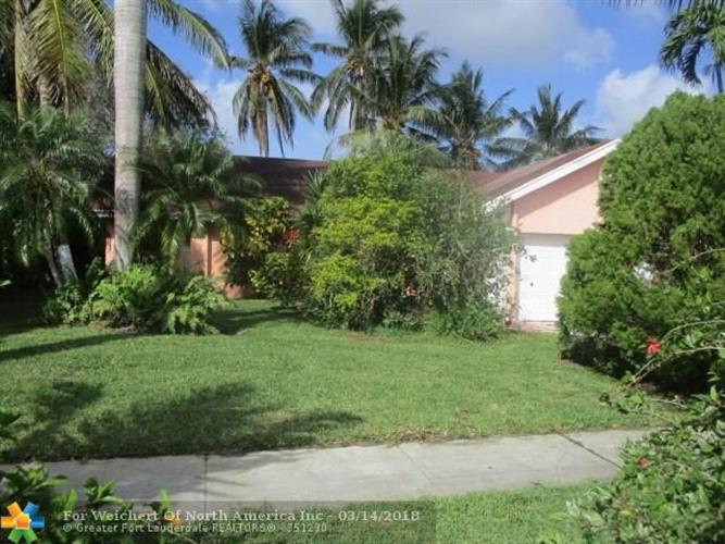 5111 NW 82nd Ave, Lauderhill, FL 33351