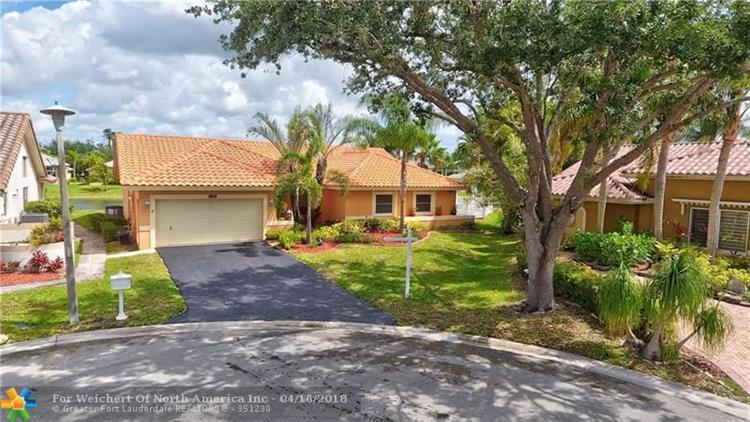 5657 NW 64th Ln, Coral Springs, FL 33067