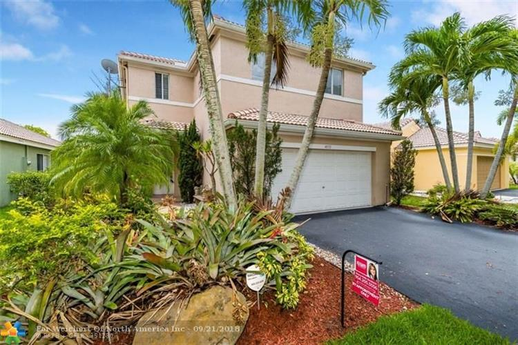 4073 Pine Ridge Ln, Weston, FL 33331