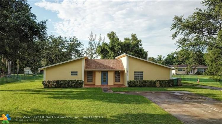 14401 SW 20th St, Davie, FL 33325