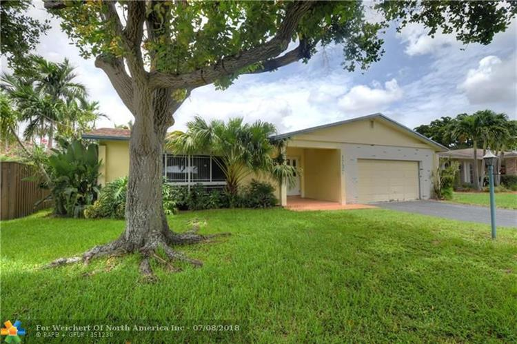 1737 NW 36th Ct, Oakland Park, FL 33309