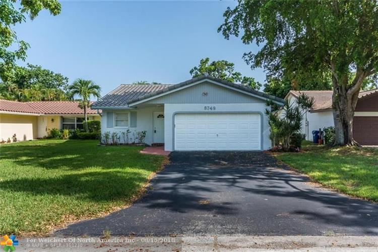 8749 Nw 21st Ct Coral Springs Fl 33071 For Sale Mls F10136222