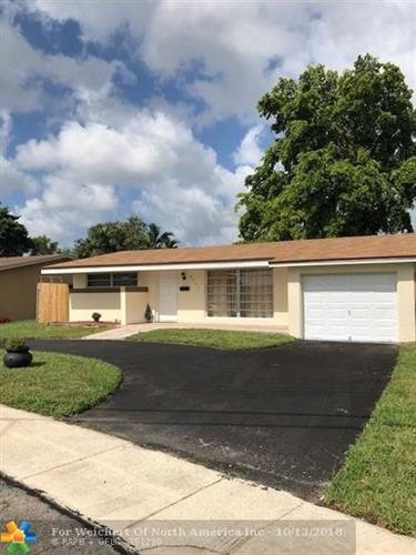 2415 NW 73rd Ave, Sunrise, FL 33313