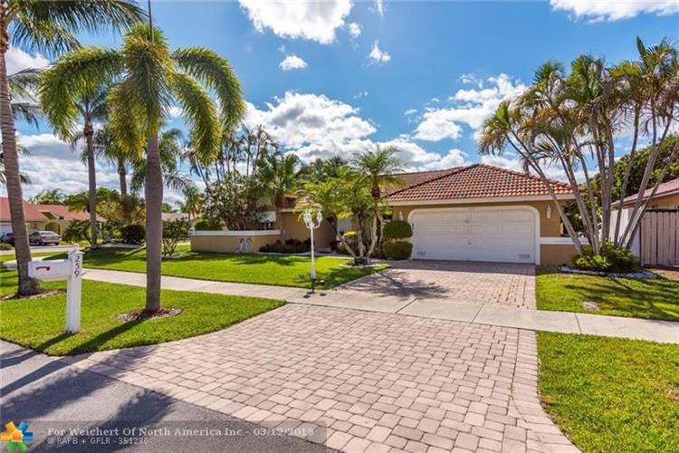 259 NW 37th Way, Deerfield Beach, FL 33442 - Image 1