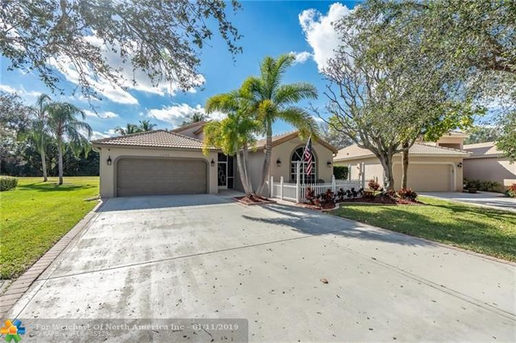 1090 Sea Grape Cir, Delray Beach, FL 33445 - Image 1