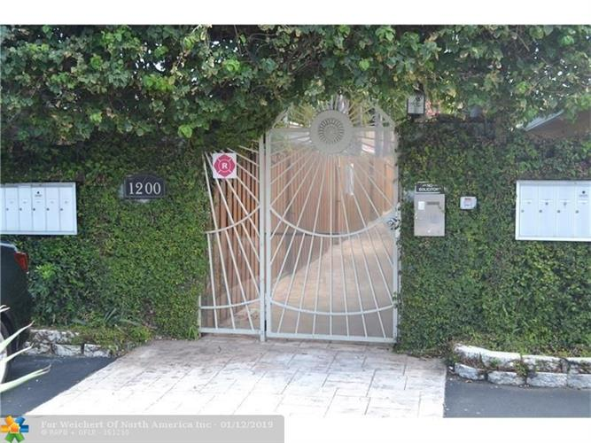 1200 NE 17th Ct, Fort Lauderdale, FL 33305 - Image 1