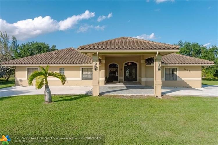 18951 SW 57th Ct, Southwest Ranches, FL 33332 - Image 1