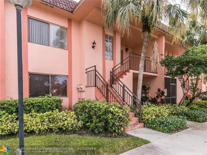 223 Lakeview Dr , Weston, FL