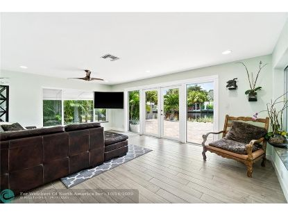 1350 NE 30th St  Oakland Park, FL MLS# F10247293