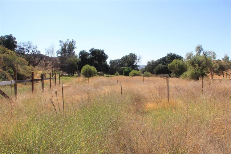 27512 Oak Spring Canyon Road, Canyon Country, CA 91387