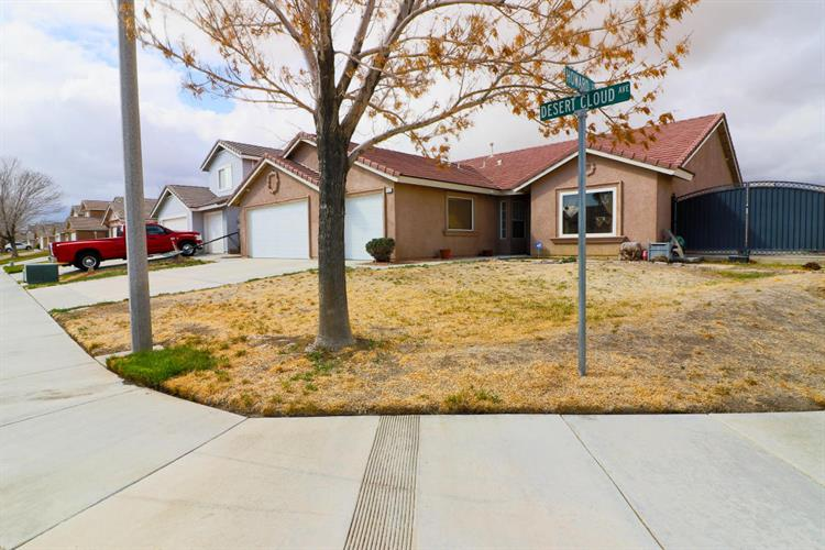 3251 Desert Cloud Avenue, Rosamond, CA 93560