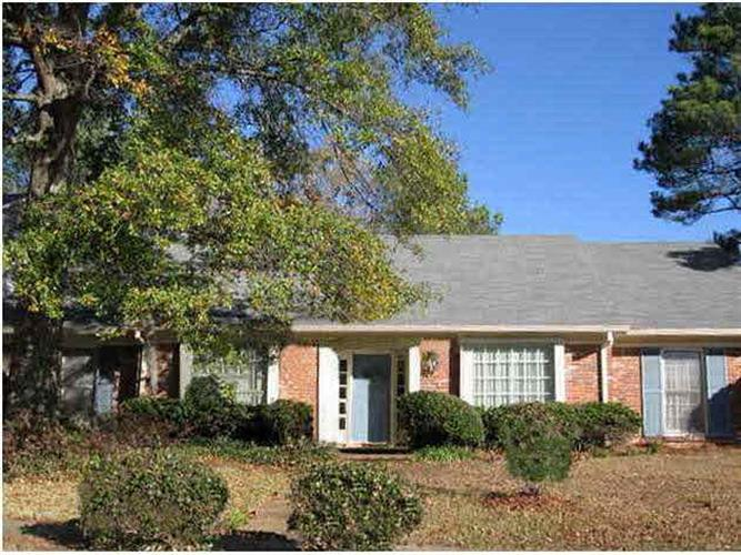 11 MOSS FOREST CIR, Jackson, MS 39211