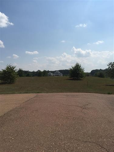 Lot 10 EAST LAKE CV, Jackson, MS 39211