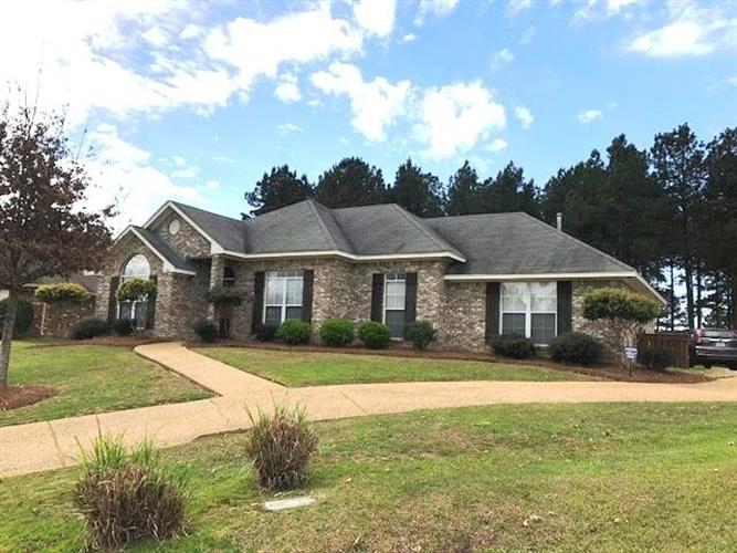 136 KENZIE DR, Madison, MS 39110