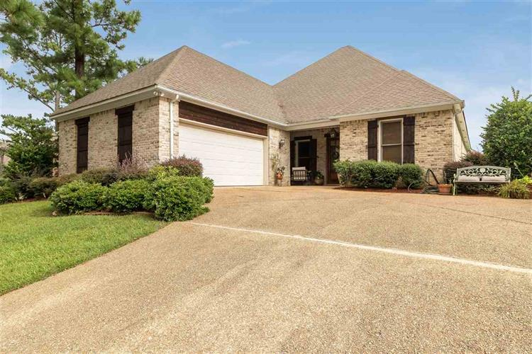 1402 WINDROSE DR, Brandon, MS 39047