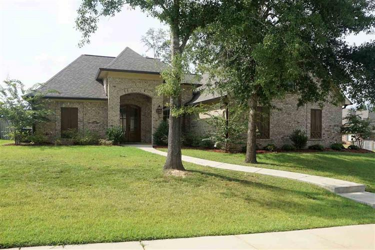 206 COPPER CREEK DR, Clinton, MS 39056