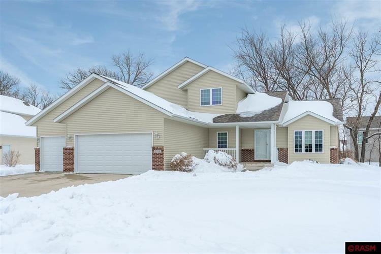 2110 Eagle Ridge Drive, North Mankato, MN 56003