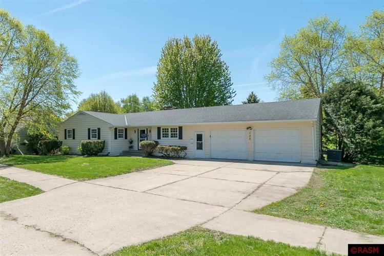 726 W Broadway Street, St Peter, MN 56082 - Image 1