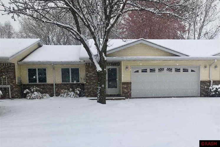 1812 W Welco Drive, St Peter, MN 56082 - Image 1