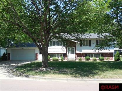 725 SW 2nd Street Madelia, MN MLS# 7024561