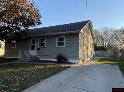 934 Center Street North Mankato, MN MLS# 7025692