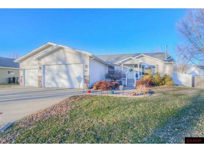 402 Forest Heights Drive North Mankato, MN MLS# 7025881