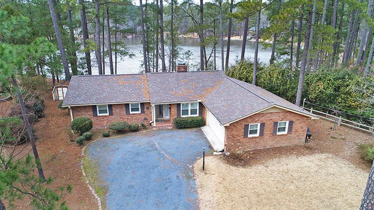 87 Lakeview Drive, Whispering Pines, NC 28327