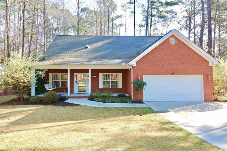 920 Burning Tree Road, Pinehurst, NC 28374