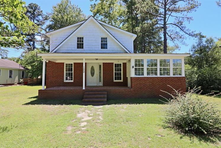 120 Woods Road, Pinehurst, NC 28374