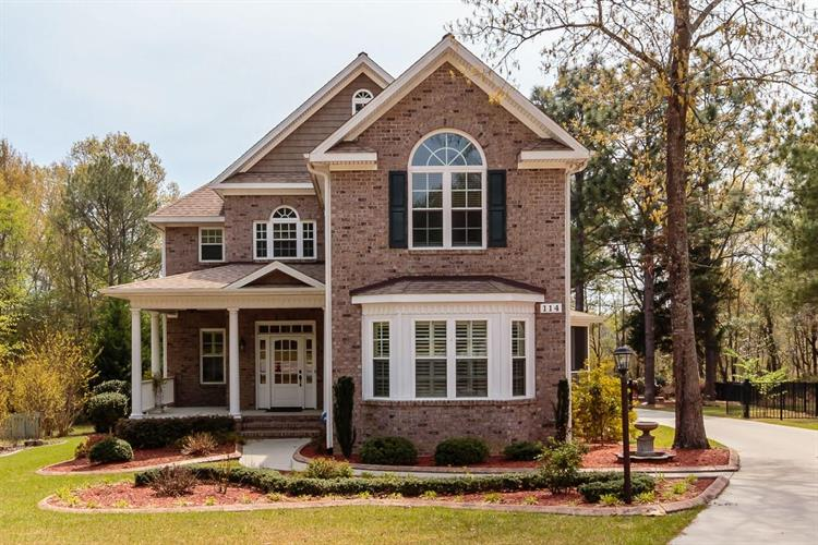 114 Bonnie Brook Court, Aberdeen, NC 28315
