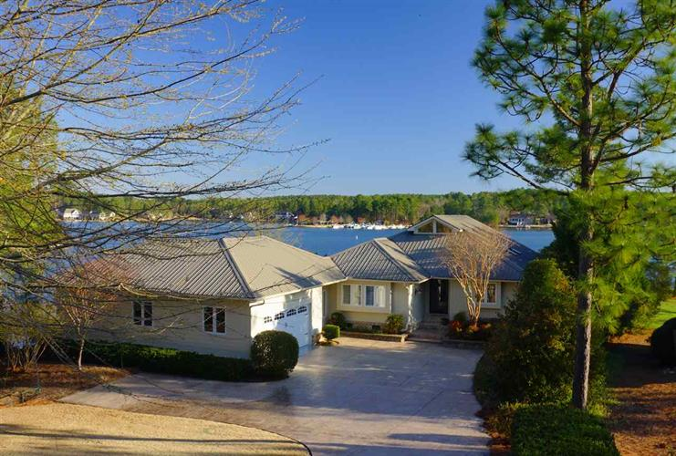 108 BARNES Point, West End, NC 27376