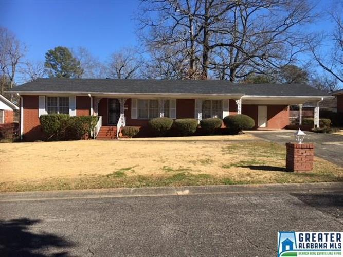 808 BELWOOD CIR, Fairfield, AL 35064