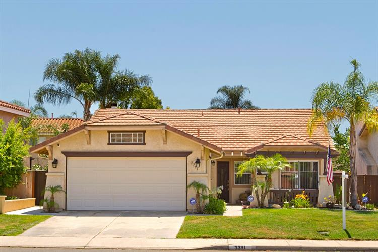 3391 Lake Circle Dr, Fallbrook, CA 92028