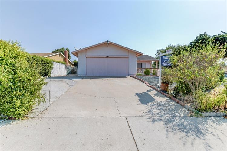 527 Quarry View Way, Spring Valley, CA 91977