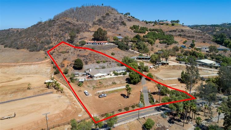 1020 Little Gopher Canyon Rd, Vista, CA 92084 - Image 1