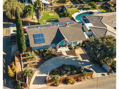 1545 Hillcrest Ln, Fallbrook, CA