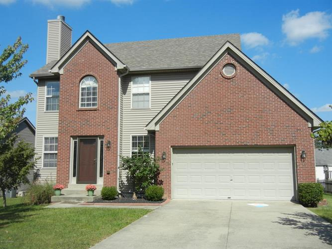 919 Woodland Ridge Cir, La Grange, KY 40031