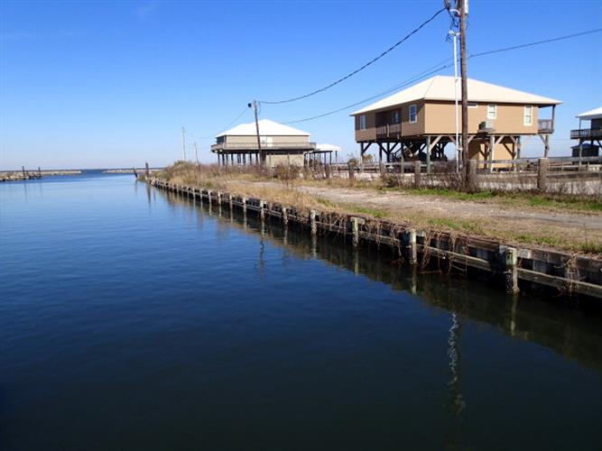 1119 HIGHWAY 1, Grand Isle, LA 70358