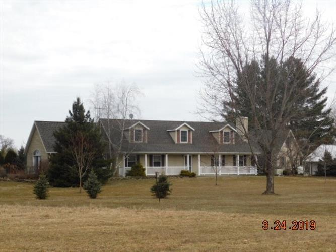 1379 N County Road F, Montello, WI 53949 - Image 1