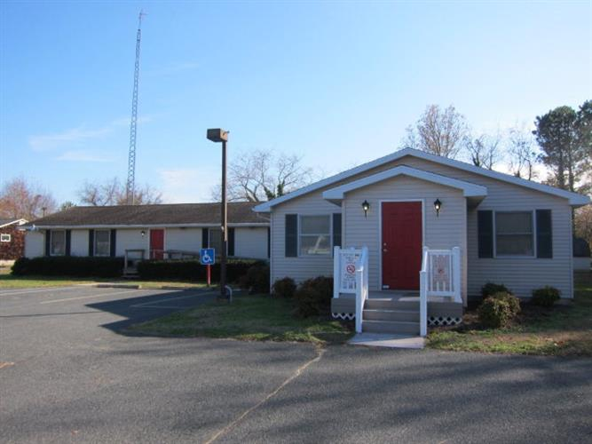 9434 HOSPITAL AVE, Nassawadox, VA 23413