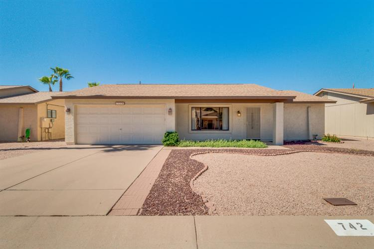 742 S 76TH Place, Mesa, AZ 85208