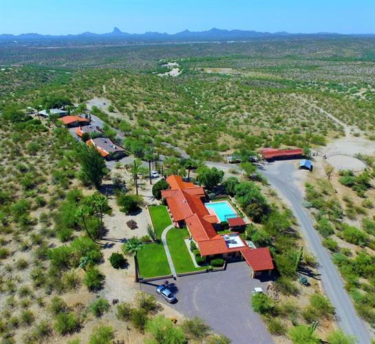 56550 Rancho Castias Road, Wickenburg, AZ 85390 - Image 1