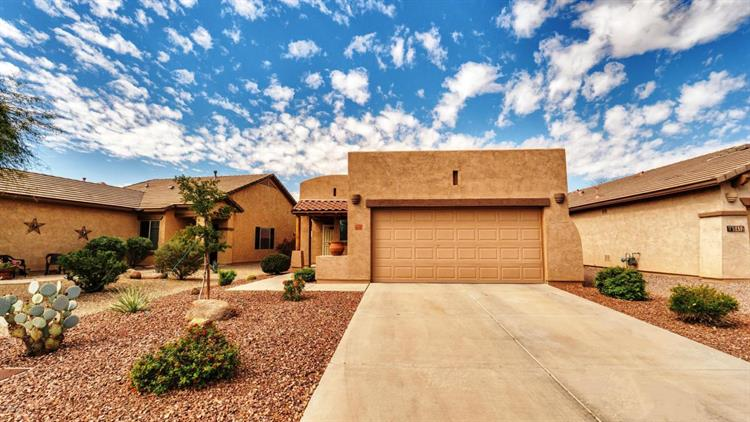 8446 S THORNE MINE Lane, Gold Canyon, AZ 85118