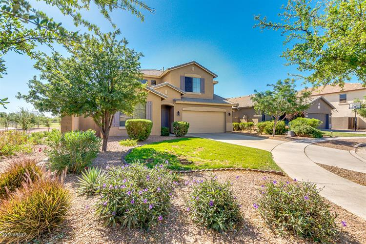 4275 E CLOUDBURST Court, Gilbert, AZ 85297
