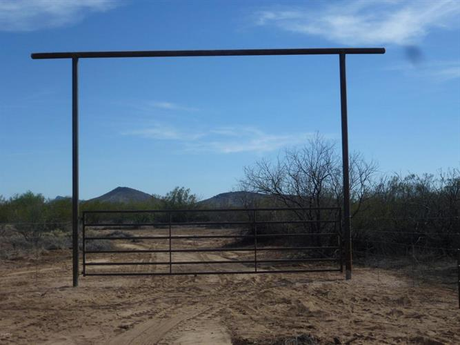 0000 J-1 Ranch Road, Wickenburg, AZ 85390