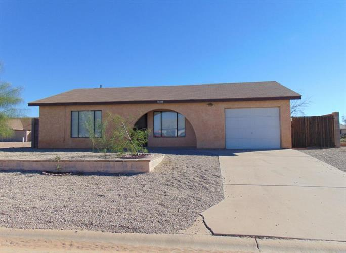 8867 W TINAJAS Drive, Arizona City, AZ 85123