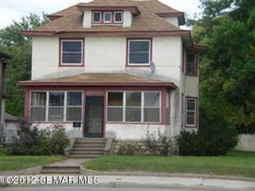 1027 WEST Avenue S, La Crosse, WI 54601