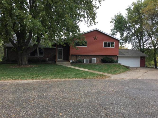 20686 707th Avenue, Albert Lea, MN 56007