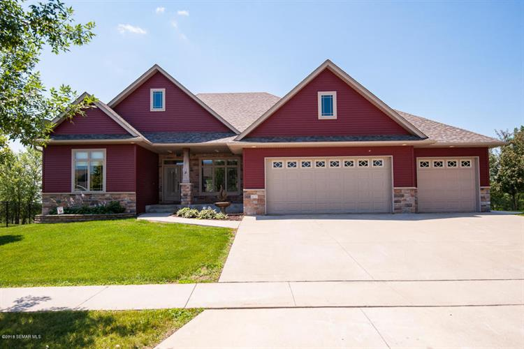 6413 Summit Pointe Road NW, Rochester, MN 55901